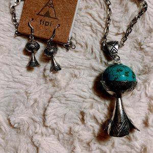 Jewelry - Turquoise Long Necklace Earrings set